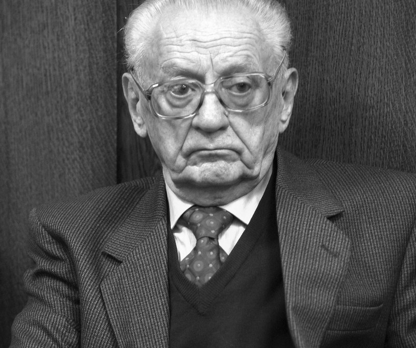 Na zdjęciu archiwalnym z 25.09.2008 r. były minister obrony gen. Florian Siwicki /Tomasz Gzell /PAP