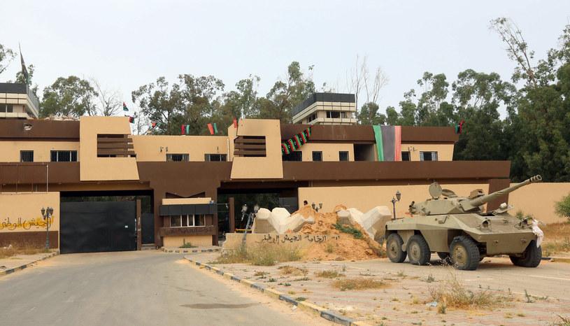 Na zdjęciu baza wojskowa w Trypolisie /MAHMUD TURKIA  /AFP