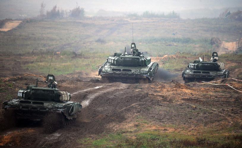 Na zdjęciu białoruskie czołgi w czasie manewrów Zapad /SERGEI GAPON /AFP