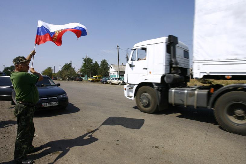 Na zdjęciu ciężarówki konwoju wjeżdżające na terytorium Ukrainy /SERGEY VENYAVSKY /AFP