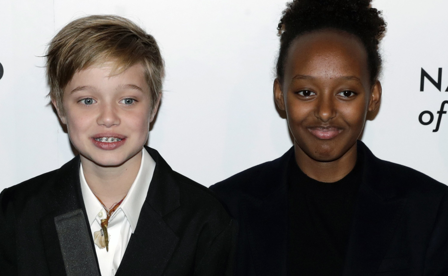 Na zdjęciu córki Angeliny Jolie: Shiloh i adoptowana w Etiopii Zahara /JASON SZENES    /PAP/EPA