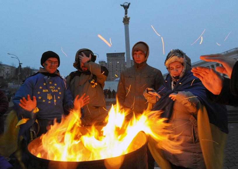Na zdjęciu demonstranci na Placu Niepodległości /VIKTOR DRACHEV /AFP