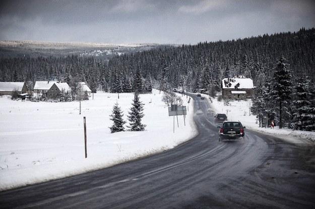 Na zdjęciu droga krajowa nr 3 przy granicy z Czechami /Maciej Kulczyński /East News