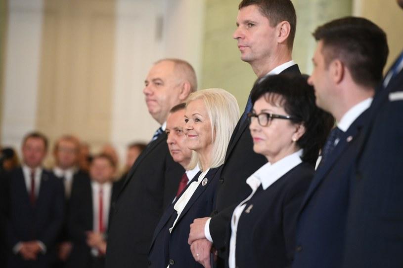 Na zdjęciu: Jacek Sasin, Marian Banaś, Bożena Borys-Szopa, Dariusz Piontkowski, Elżbieta Witek i Michał Dworczyk /Rafal Oleksiewicz/REPORTER /Reporter