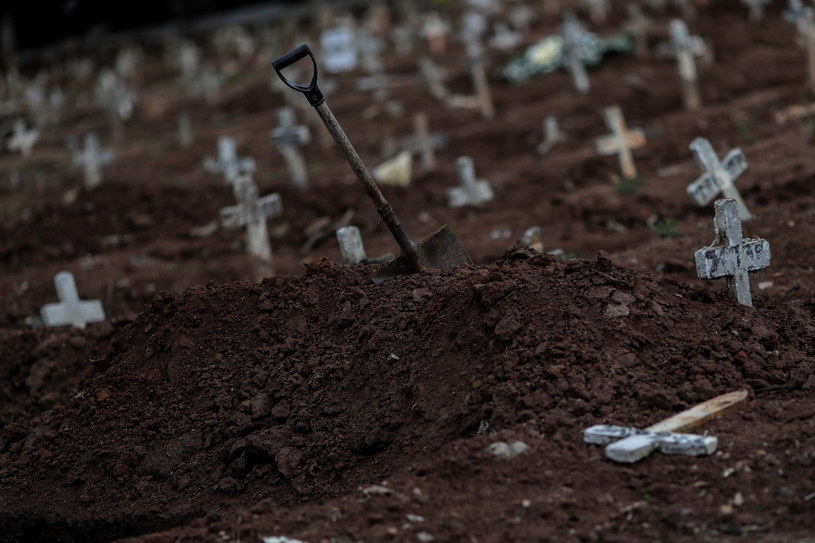 Na zdjęciu: Jeden z cmentarzy w Rio de Janeiro /Antonio Lacerda /PAP/EPA