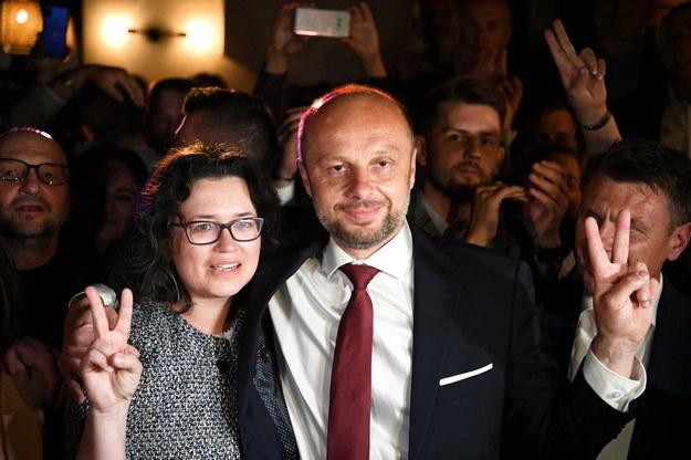 Na zdjęciu Konrad Fijołek z żoną Magdaleną /Darek Delmanowicz /PAP