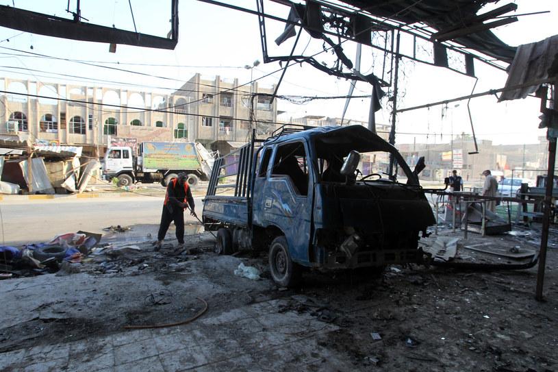 Na zdjęciu miejsce samobójczego zamachu z 11 sierpnia tego roku /ALI AL-SAADI /AFP