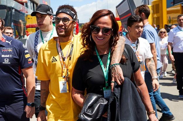 Na zdjęciu Neymar z mamą Nadine /Alejandro Garcia /PAP/EPA