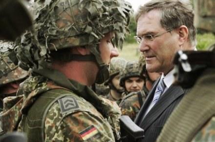 Na zdjęciu niemiecki minister obrony Franz Josef Jung /AFP