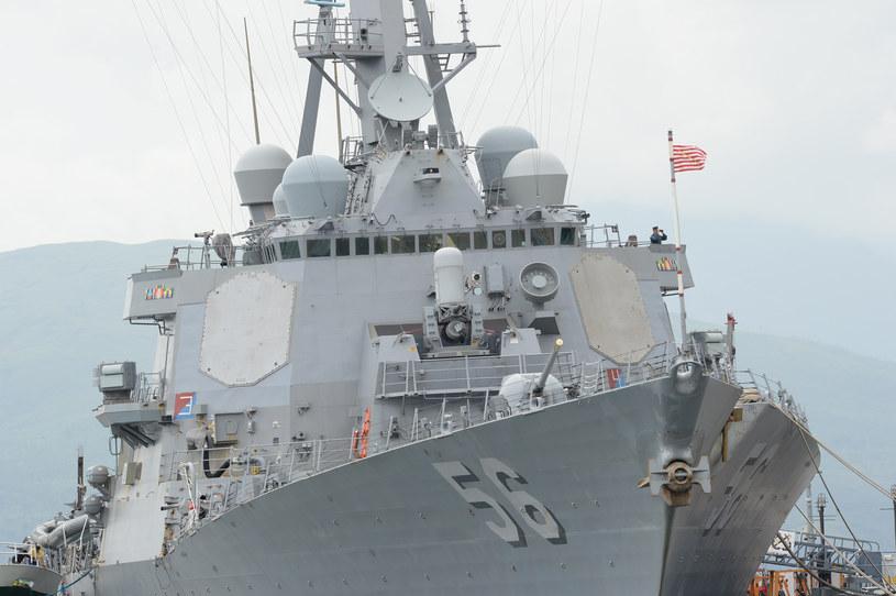 Na zdjęciu: Niszczyciel rakietowy USS John S. McCain /TED ALJIBE /AFP