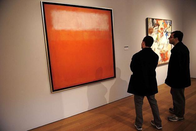 """Na zdjęciu obraz """"Biała chmura"""" Marka Rothko. Nowy Jork, październik 2011 /AFP"""