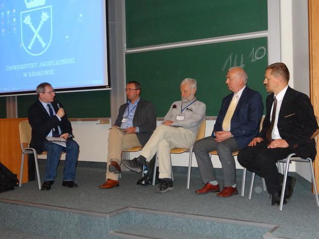 Na zdjęciu od lewej: prof. W. Słomczyński, prof. P. Śleszyński, prof. K. Rzążewski, sędzia W. Kozielewicz, dr Jarosław Flis. /Grzegorz Jasiński, RMF FM /RMF FM
