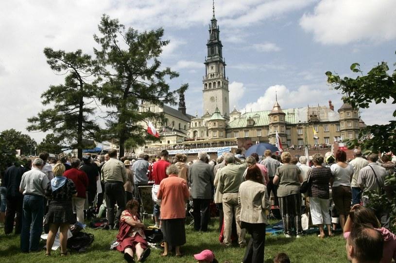 Na zdjeciu: Pielgrzymka Rodziny Radia Maryja na Jasną Górę, 2009 rok /MAREK BARCZYŃSKI /Agencja SE/East News