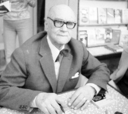 Na zdjęciu pisarz Jarosław Iwaszkiewicz /Z archiwum Narodowego Archiwum Cyfrowego