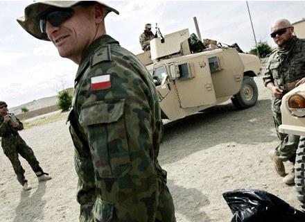 Na zdjęciu: polscy żołnierze w Afganistanie, maj 2007 /AFP