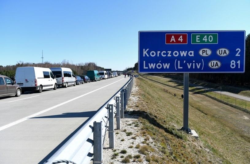 Na zdjęciu: Polsko-ukraińskie przejście granicznego w Korczowej /Darek Delmanowicz /PAP