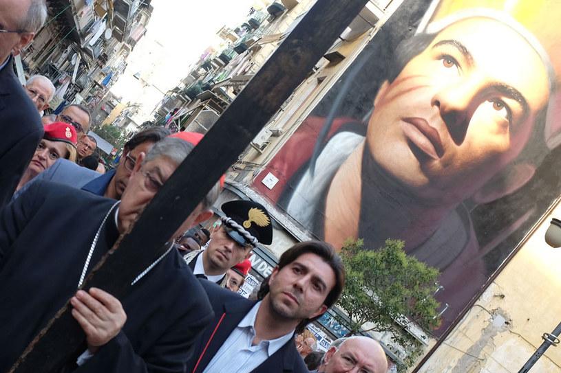 Na zdjęciu procesja w Neapolu przeciwko mafii camorra /AFP