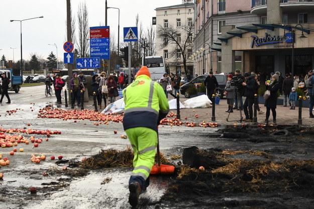 Na zdjęciu protest sadowników zorganizowany w Warszawie 13 marca /Paweł Balinowski /Archiwum RMF FM