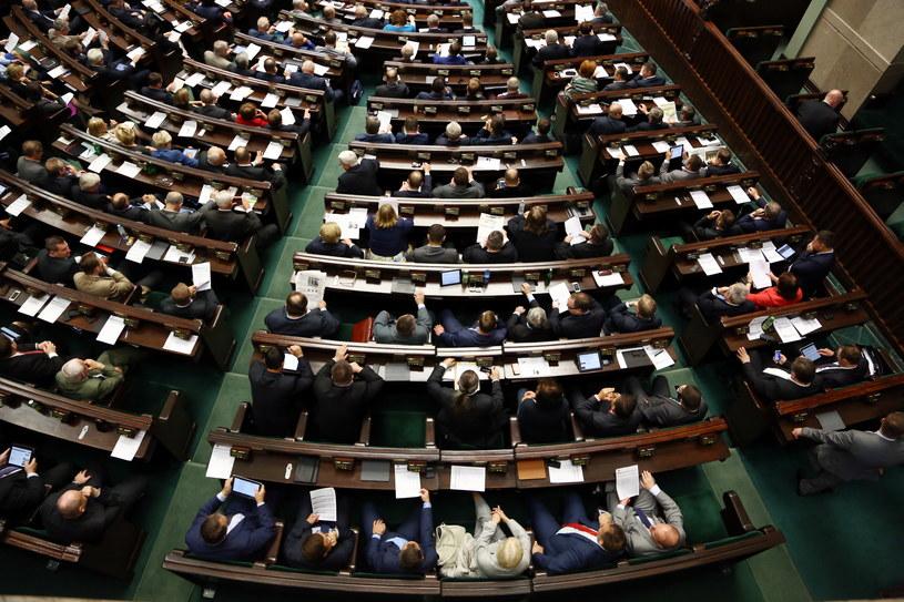Na zdjęciu sala obrad w trakcie wczorajszego posiedzenia Sejmu /Tomasz Gzell /PAP