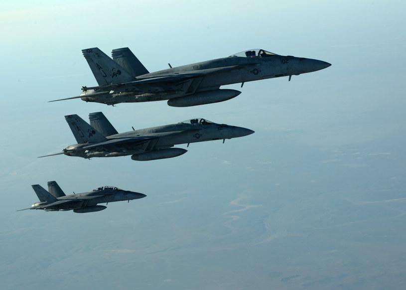 Na zdjęciu: Samoloty typu F-18E Super Hornet /Staff Sgt. Shawn Nickel / US Air Forces Central Command  /AFP