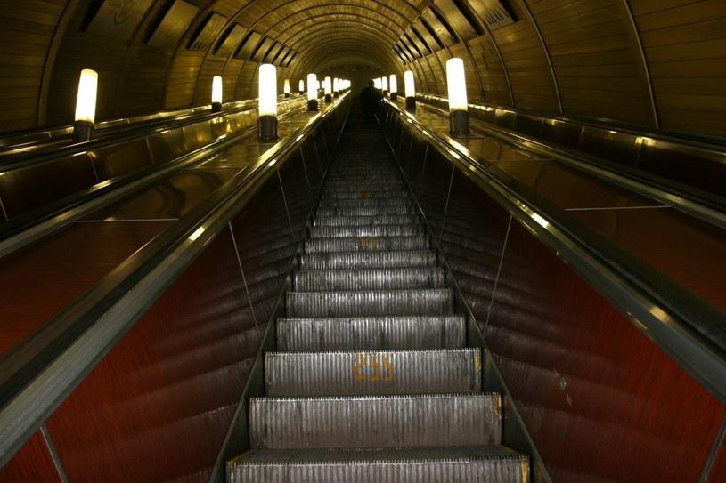 Na zdjęciu schody w moskiewskim metrze /East News /East News