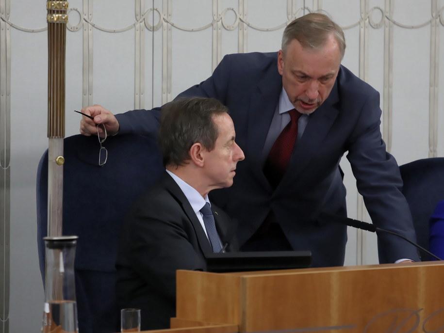 Na zdjęciu senator Bogdan Zdrojewski i marszałek Senatu Tomasz Grodzki / Tomasz Gzell    /PAP