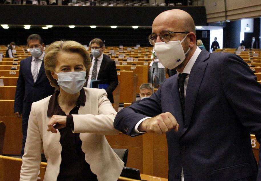 Na zdjęciu szefowa KE Ursula von der Leyen oraz szef Rady Europejskiej Charles Michel /FRANCOIS WALSCHAERTS /PAP/EPA
