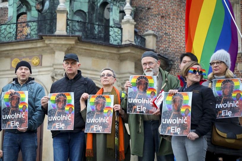 Na zdjęciu uczestnicy protestu w obronie Elżbiety Podleśnej /Beata Zawrzel/REPORTER /Reporter
