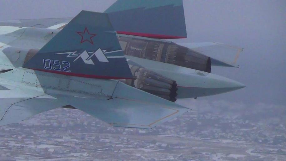 Na zdjęciu z 2017 roku rosyjski Su-57 podczas lotu testowego / uacrussia.ru /PAP/EPA