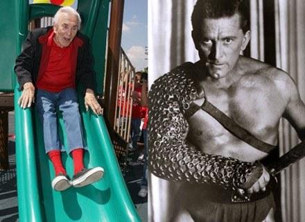 Na zdjęciu: z lewej Kirk Douglas teraz (92 lata), z prawej Douglas jako Spartakus, 1960 rok /AFP