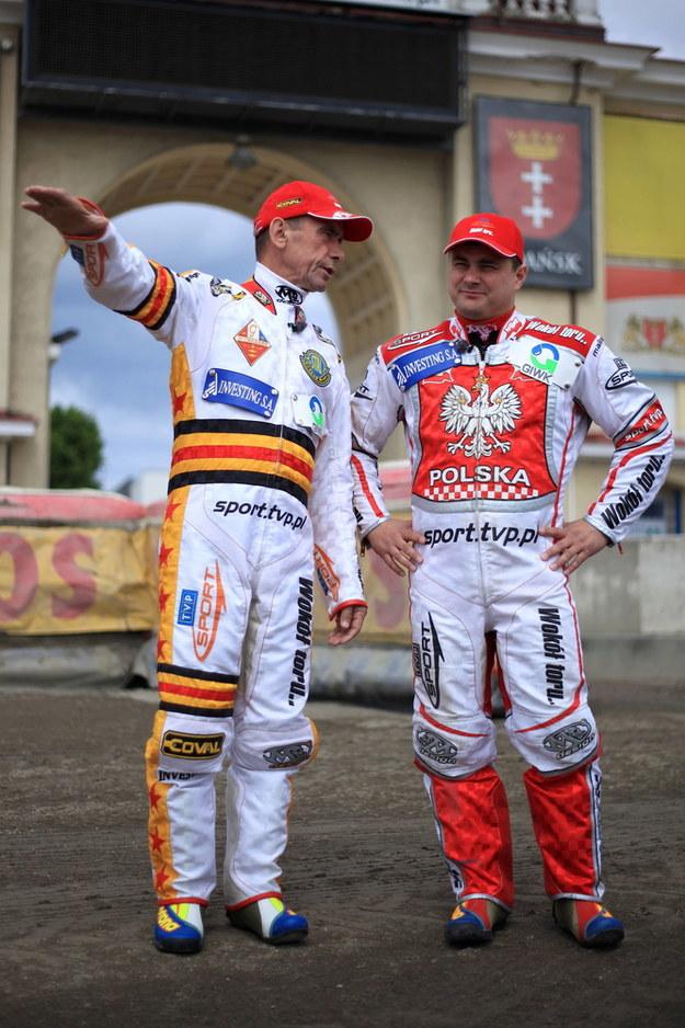 Na zdjęciu Zenon Plech i Leszek Blanik podczas lekcji jazdy na torze żużlowym w Gdańsku /Roman Jocher    /PAP/EPA
