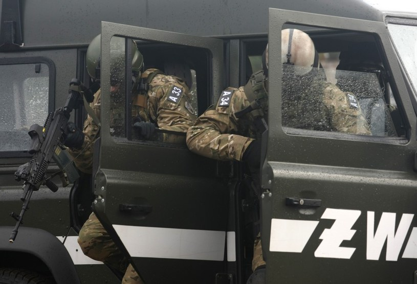 Na zdjęciu żołnierze oddziałów specjalnych Żandarmerii Wojskowej /Michał Dyjuk /Reporter