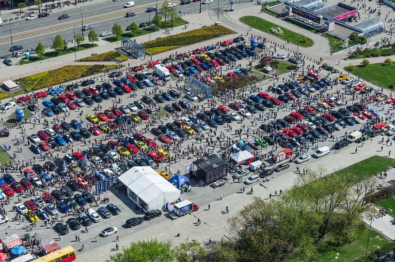 Na zlocie pojawiło się 350 samochodów / Fot. Dominik Kalamus /