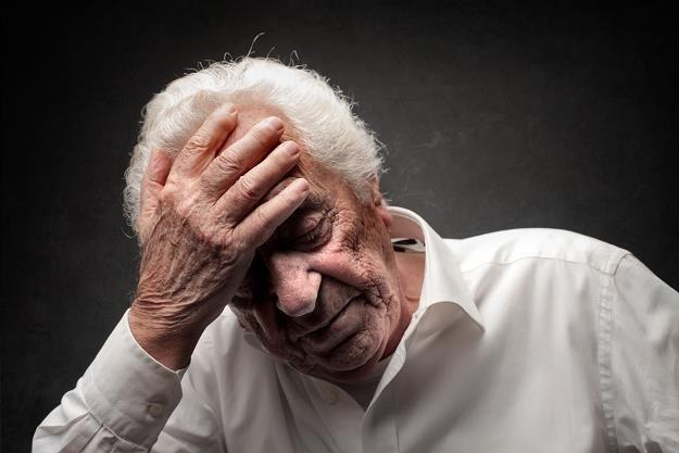 Naciąganie osób starszych na zmianę dostawcy prądu i gazu nie jest nowym procederem /©123RF/PICSEL