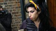 Naćpana Amy zgasiła sobie papierosa na policzku