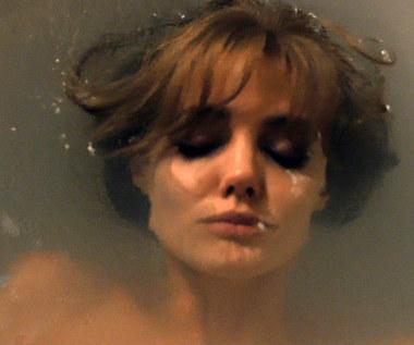 """""""Nad morzem"""": Angelina Jolie Pitt nago w wannie"""