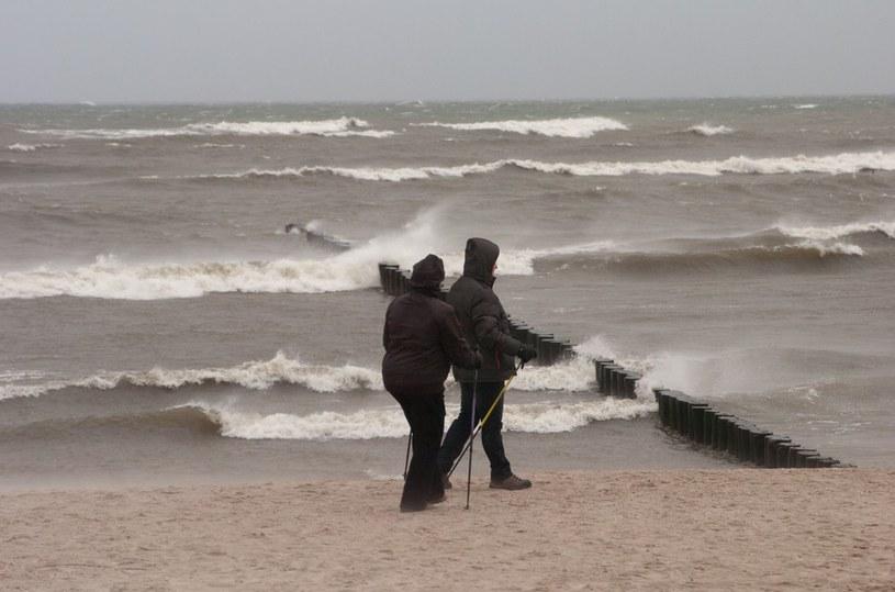 Nad morzem wieje silny wiatr /Hubert Bierndgarski /Reporter
