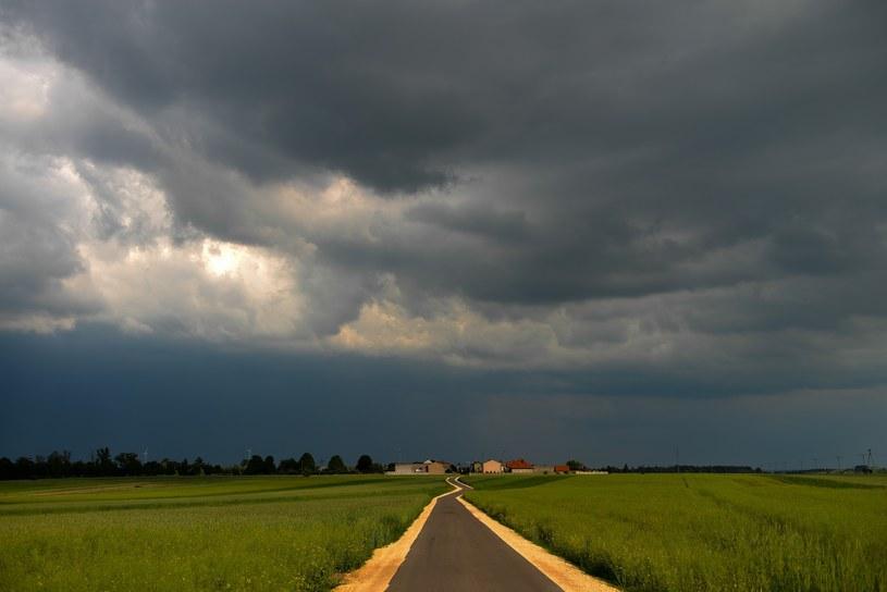 Nad Polską gromadzą się burzowe chmury /Adam Staśkiewicz /East News