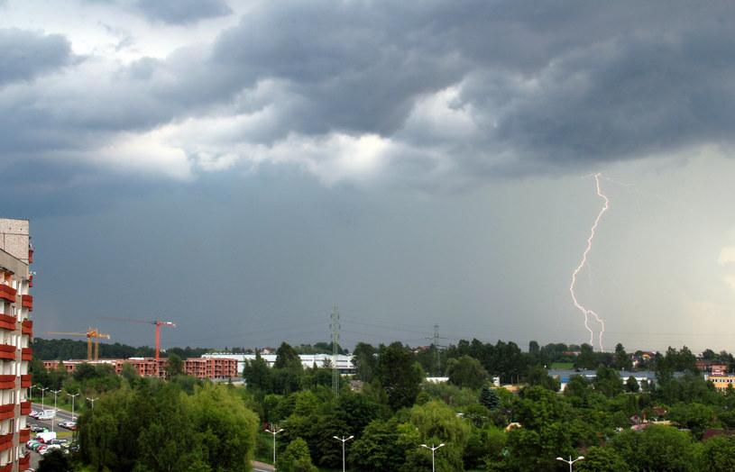 Nad Polską przechodzą burze; zdj. ilustracyjne /Tomasz Kawka /East News