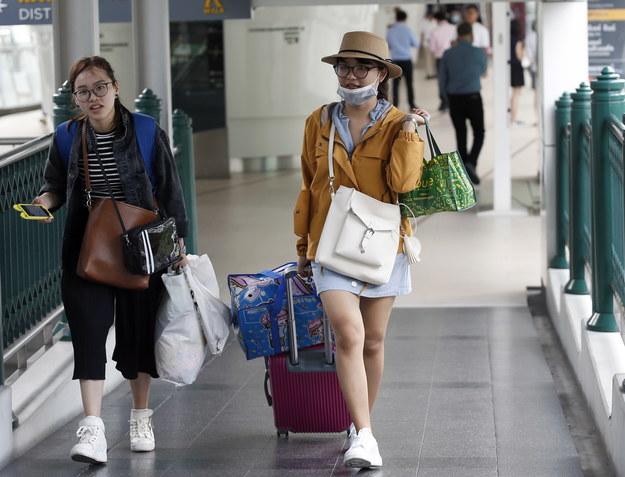 Nad Tajlandię nadciąga burza tropikalna. Tysiące turystów uciekają z wysp