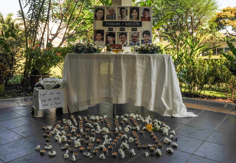 Nadal nie wiadomo, co się stało z pasażerami zaginionego samolotu /AFP