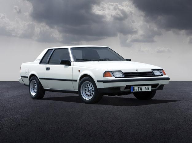 Nadal tylny napęd, ale w ofercie po raz pierwszy odmiana z silnikiem turbo. /Toyota