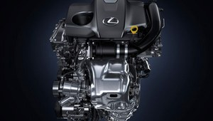 Nadjeżdża Lexus IS 200t