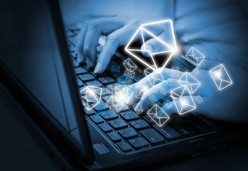 Nadmiar poczty elektronicznej może być szkodliwy /123RF/PICSEL