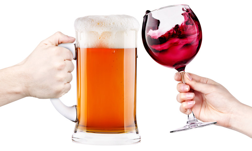 nadmierne spożycie alkoholu /© Photogenica