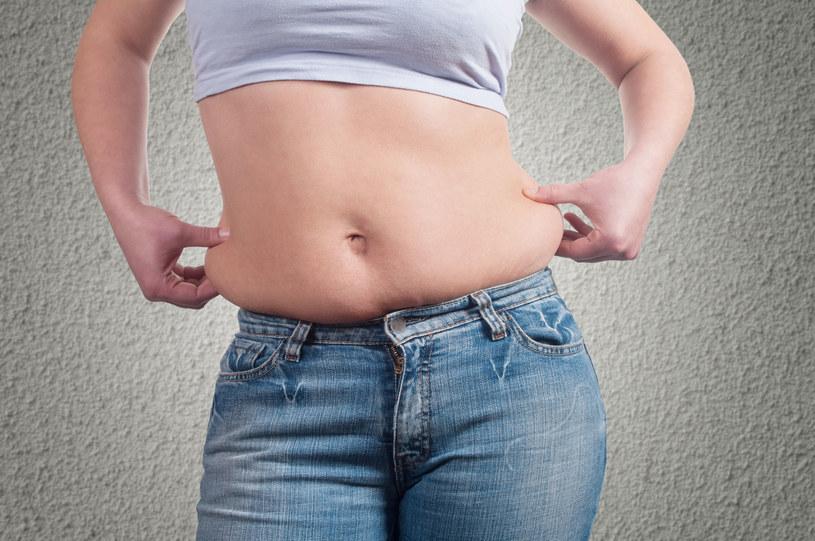Nadprogramowe kilogramy zwiększają ryzyko raka. /123RF/PICSEL