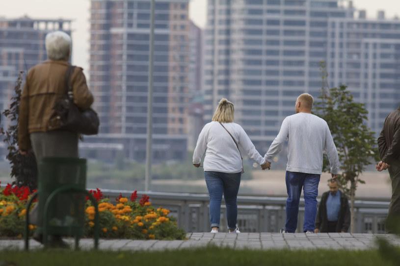 Nadwaga i otyłość to problem ponad 60% Polaków. /123RF/PICSEL