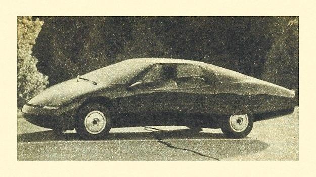 Nadwozie wykonane całkowicie z plastyku ma szybę pochyloną pod kątem 68° od pionu, co w wielu krajach napotkałoby zdecydowany sprzeciw władz komunikacyjnych. /Chevrolet