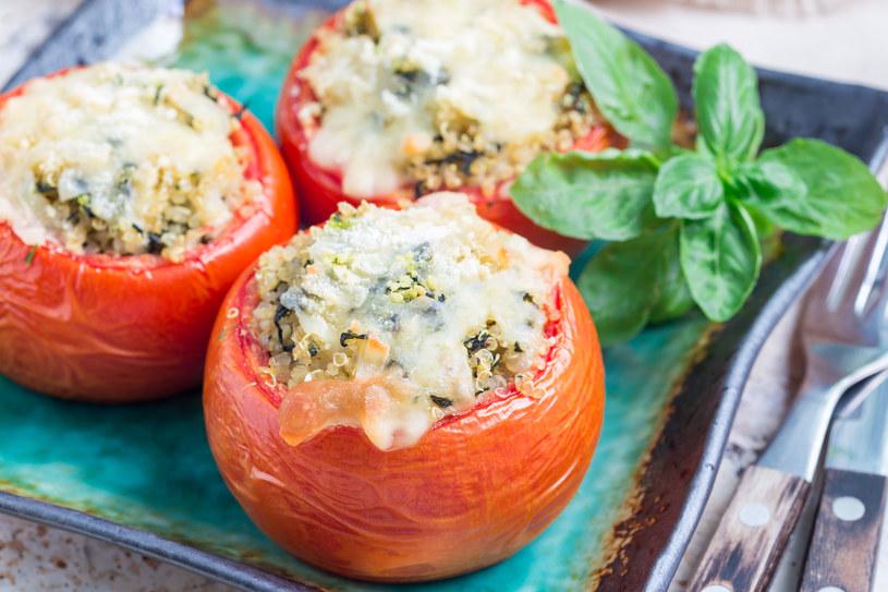 Nadziewane pomidory /123RF/PICSEL