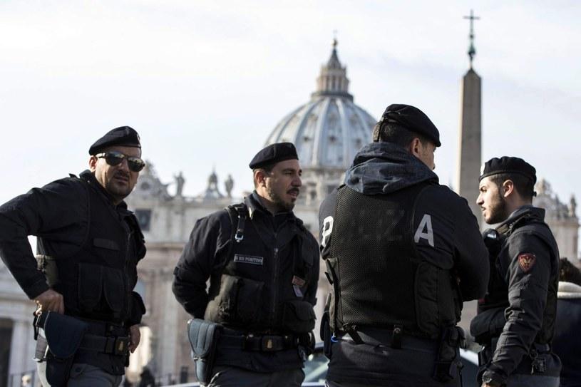 Nadzwyczajne środki bezpieczeństwa na Placu Św. Piotra /MASSIMO PERCOSSI /PAP/EPA